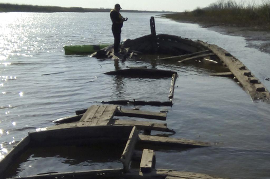 Por la baja del Paraná descubrieron un buque hundido en 1921