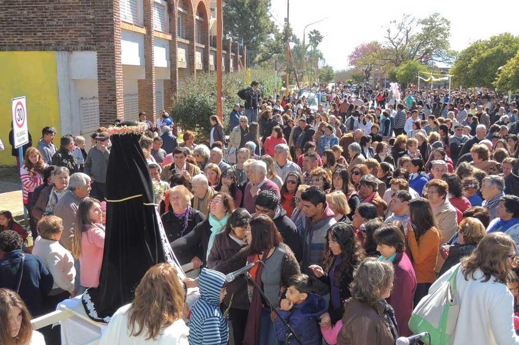 ESTE JUEVES comienzan los festejos con una misa y procesión por el pueblo. Crédito: Prensa Comuna de Santa Rosa de Calchines