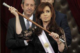 Tras los allanamientos ordenan devolver las bandas y bastones presidenciales a Cristina Kirchner