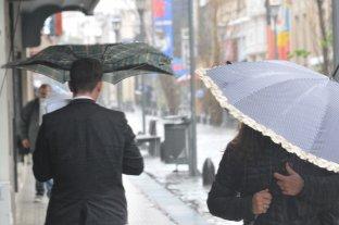 Continúa lloviendo este jueves en la ciudad