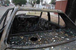 Historia repetida: quemaron un auto en el norte de la ciudad