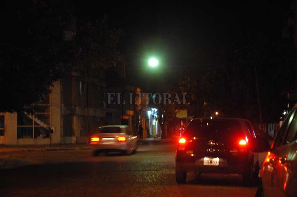 La zona de San Martín y Mariano Comas, donde se produjo el violento robo este miércoles por la noche.  <strong>Foto:</strong> Archivo El Litoral