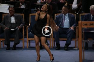 Numerosos famosos despidieron a Aretha Franklin en un emocionante funeral