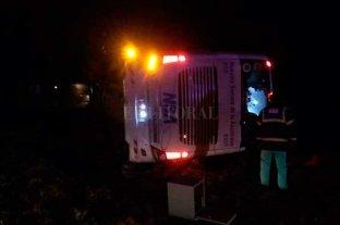 Volcó un colectivo en San Justo y falleció una pasajera
