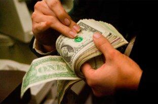 Dólar hoy: opera con una leve alza tras el discurso de Macri