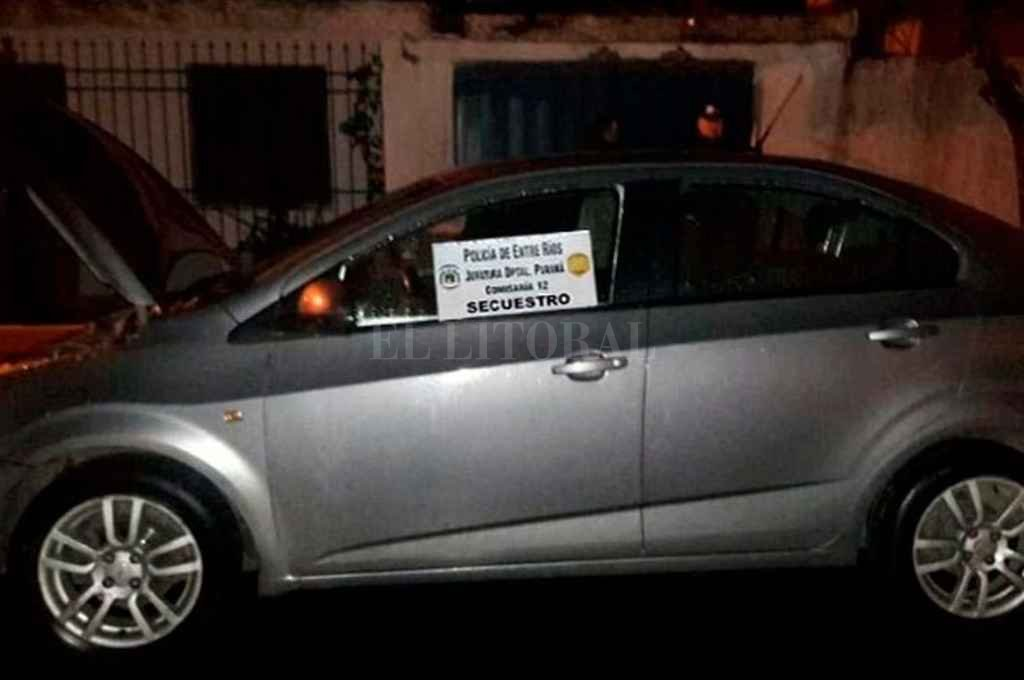 El Chevrolet Sonic en el que se movilizaban los implicados. <strong>Foto:</strong> Prensa Policía de Entre Ríos