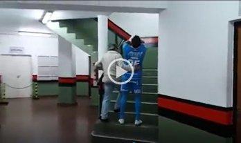 Sin consuelo: Así se retiraba Papaleo luego de su lesión en el clásico santafesino