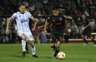 Atlético Tucumán lo dio vuelta sobre el final y le ganó a Newell