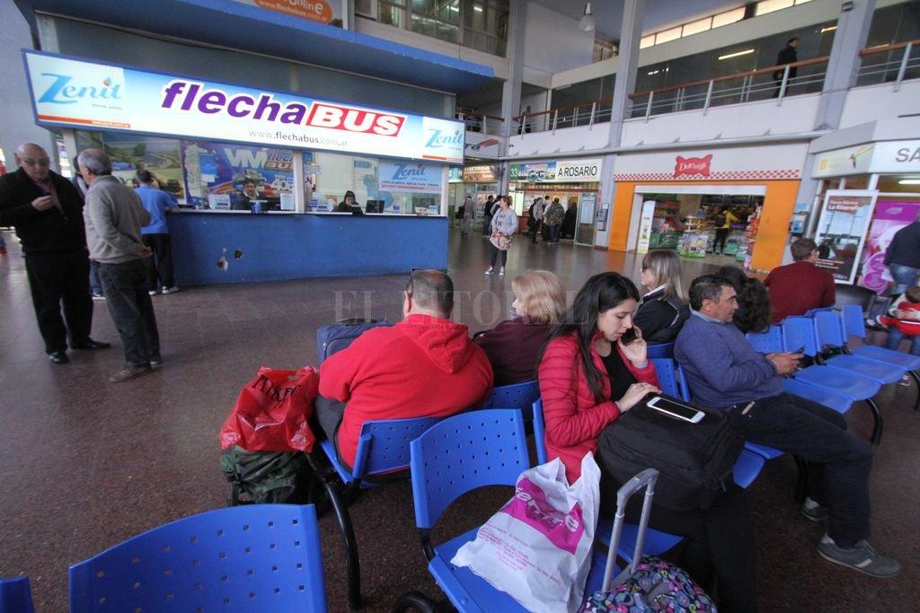 """Los beneficios """"low bus"""" de descuentos son muy tentadores para los pasajeros. <strong>Foto:</strong> Mauricio Garín"""