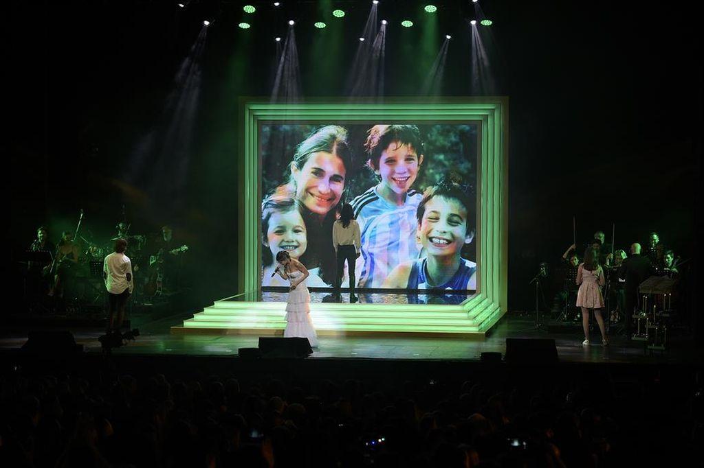 Emotivo homenaje a Romina Yan en el Gran Rex. <strong>Foto:</strong> La Nación.