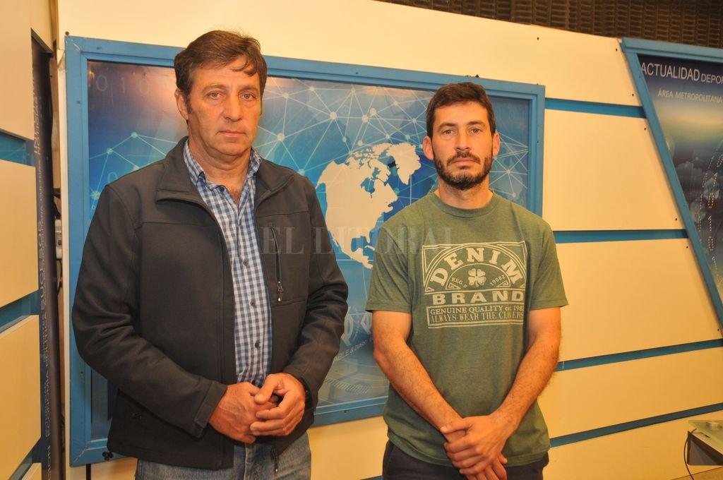 En Cable & Diario. Luis Villar y Nicolás Sequeira analizaron el feliz presente del Hockey Gitano. <strong>Foto:</strong> Flavio Raina.