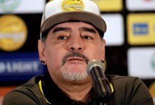 """Maradona: """"Yo vine a trabajar, a dejarles mi corazón"""""""
