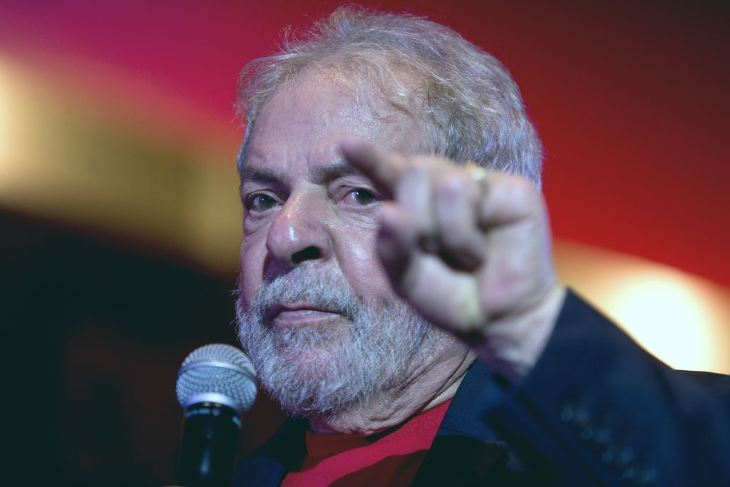 Lula da Silva renunció a su candidatura presidencial