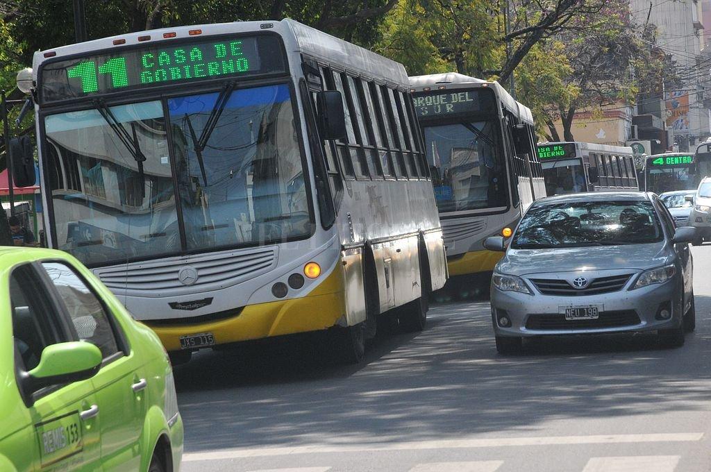 Confirmado. Hasta el 31 de diciembre, los usuarios del sistema de transporte público por colectivos de la ciudad no tendrán que costear nuevos aumentos en la tarifa. Crédito: Archivo El Litoral / Flavio Raina