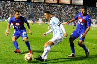 Atlético Tucumán ganó y es líder del torneo