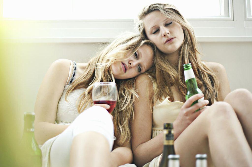 Según un relevamiento que realizó el hospital de Niños, muchos chicos no consideran sustancias tóxicas al alcohol y al tabaco.  Crédito: Archivo