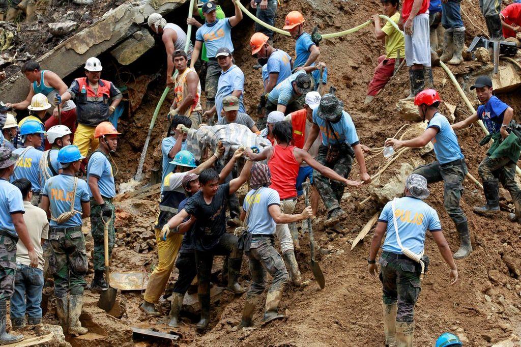 La tormenta, con vientos de hasta 162 kilómetros por hora, dejó además cuatro muertos en China y dos centenares de heridos. La provincia más afectada fue Guangdong. Crédito: dpa