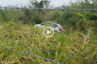Video: así desbarrancó el auto en la RN 168 -