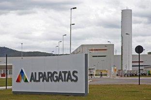 Alpargatas le vendió Topper a un empresario que es socio de Neymar y Ronaldo