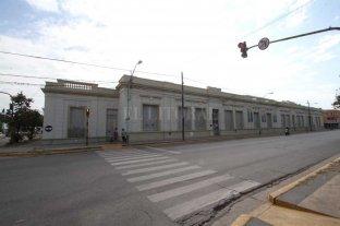 """La escuela Juan de Garay celebrará su 150 aniversario  - Imponente. El edificio de la escuela Nº 15 """"Juan de Garay"""" se encuentra ubicado sobre calle Sarmiento, entre 25 de Mayo y Centenario. Indudablemente su pintoresca presencia no pasa inadvertida."""