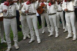 México: sube 6 la cifra de muertos por la balacera provocada por falsos mariachis