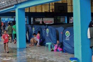 Aumentan a 74 los muertos por el tifón en Filipinas