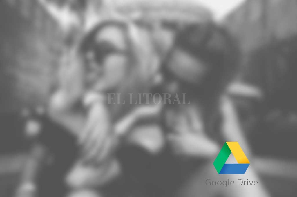 Investigan filtración de fotos de alumnas de la Secundaria de la UNL - Imagen ilustrativa -