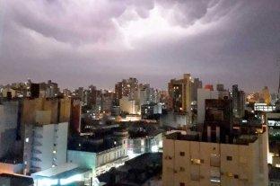 Fuerte tormenta de viento, lluvia y granizo azotó a Santa Fe -