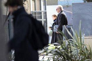 """Clarens dijo que recaudaba """"alrededor de 300.000 dólares"""" semanales de empresas constructoras para los Kirchner - Ernesto Clarens confesó que recaudaba """"alrededor de 300.000 dólares"""" por semana de las empresas constructoras y que el secretario Daniel Muñoz le comentó que """"todo este efectivo estaba en archivos metálicos que se encontraban dentro de una bóveda en el subsuelo de la casa del matrimonio Kirchner en El Calafate. -"""