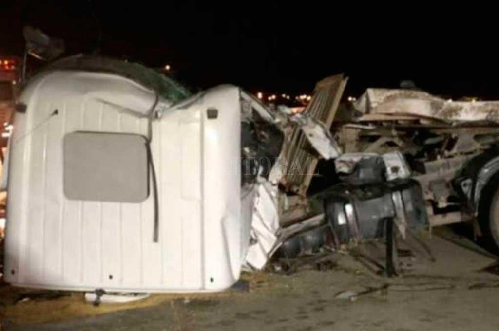 Dos camiones chocaron en la autopista Códoba - Rosario