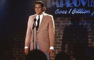 """Sonrisas y lágrimas - El actor Jim Carrey encarna al comediante Andy Kaufman (1949-1984) en la película """"Man on the Moon"""" de 1999, seleccionada para la apertura del ciclo. -"""