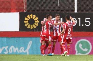 """El alivio por Soldano y ese famoso """"desfasaje""""  - Tarde de festejos. Soldano le dio la victoria a Unión ante Talleres.  -"""
