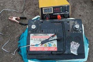 Córdoba: Sorprenden a siete chinos que pescaban usando descargas eléctricas