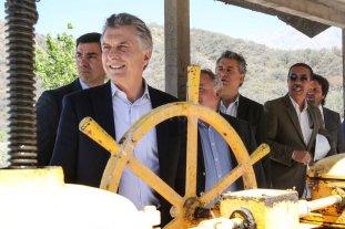 Macri inauguró obras en Salta para reconvertir el sector tabacalero  - Macri fue a Salta a inaugurar una obra dentro del Plan Belgrano y se mostró con Urtubey. -