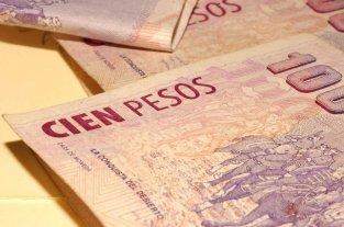 El gobierno oficializó la emisión de Letras del Tesoro Capitalizables en Pesos - La licitación de estos títulos tuvieron como fin evitar que los pesos sobrantes de la licitación de Lebac se volcaran al mercado mercado y presionaran sobre el precio del dólar. -