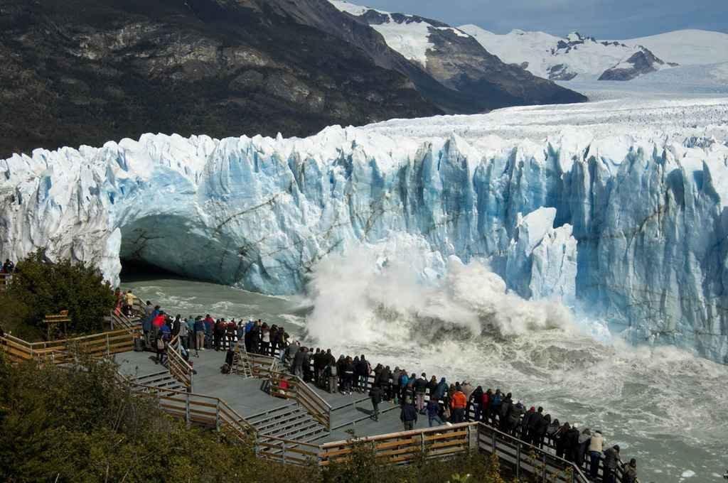Quiebra de la mayorista TN: hay 28 agencias de viajes afectadas en Santa Fe - Las salidas grupales al sur, a destinos como el glaciar Perito Moreno, es uno de los paquetes que vendía la empresa que cerró. -