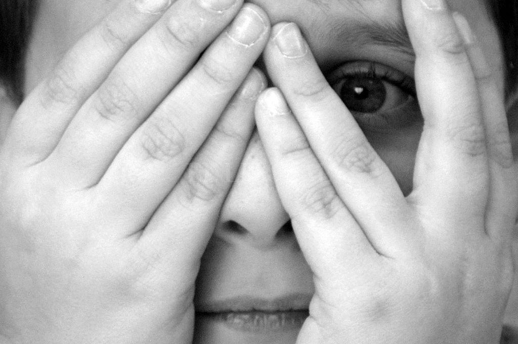 Investigan a una docente denunciada por acosar a un alumno de 13 años