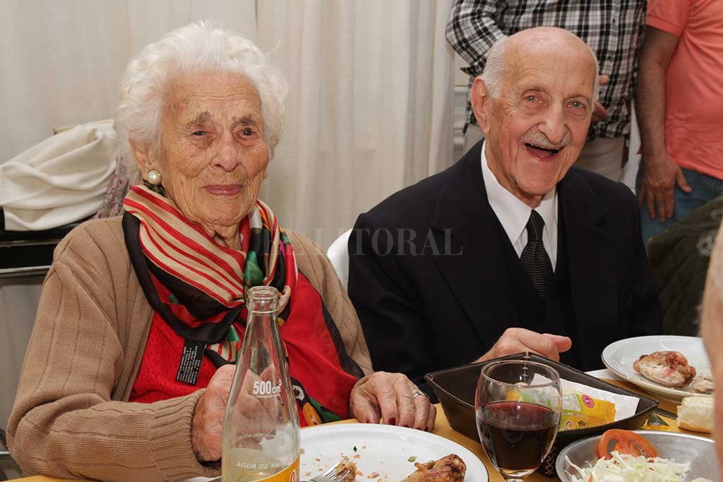 AHORA LE TOCÓ A ÉL. El 15 de septiembre, Ricardo Gioielli cumplió  cien años de vida. Lo celebró con una fiesta en el club El Quillá. <strong>Foto:</strong> Luis Cetraro