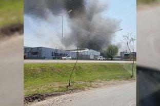 Rafaela: incendio en una fábrica de colchones -