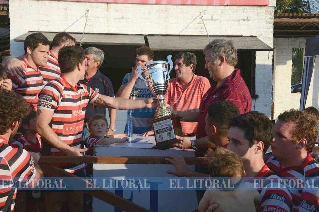 Santa Fe Rugby ganó el clásico y se quedó con la Copa 100 Años El Litoral. Luis Cetraro