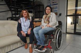 Piden que el Senado apruebe la Ley de Paridad de Género - Adriana Molina y Caren Schibelbein en El Litoral. -