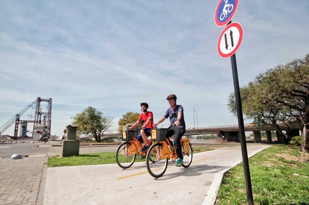 Con los tramos de Vélez Sarsfield y debajo del Viaducto Oroño, se amplía la red de ciclovías