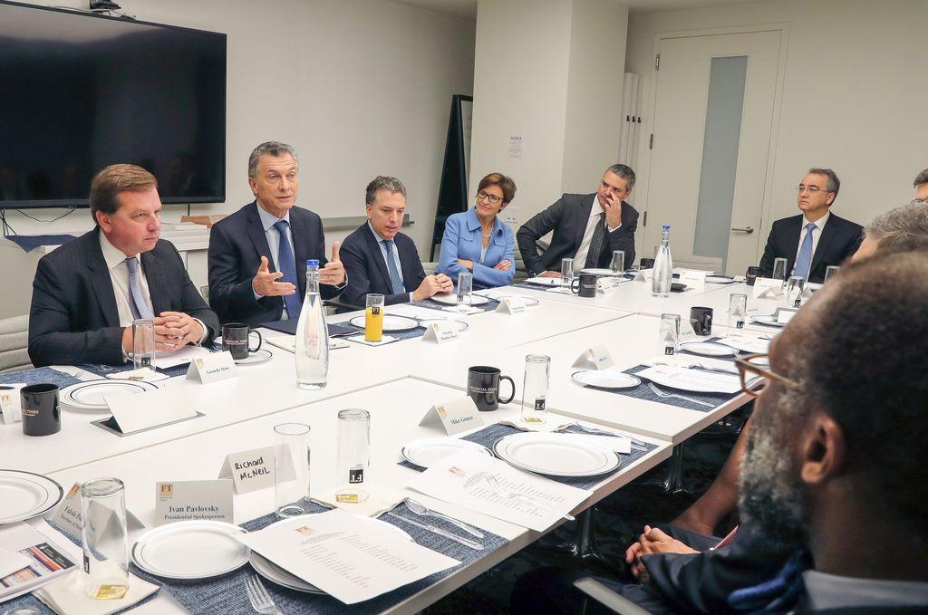 El presidente Mauricio Macri recibió esta mañana a un grupo de inversores en una reunión que se realizó en las oficinas del Financial Times, en la ciudad de Nueva York. Crédito: Télam