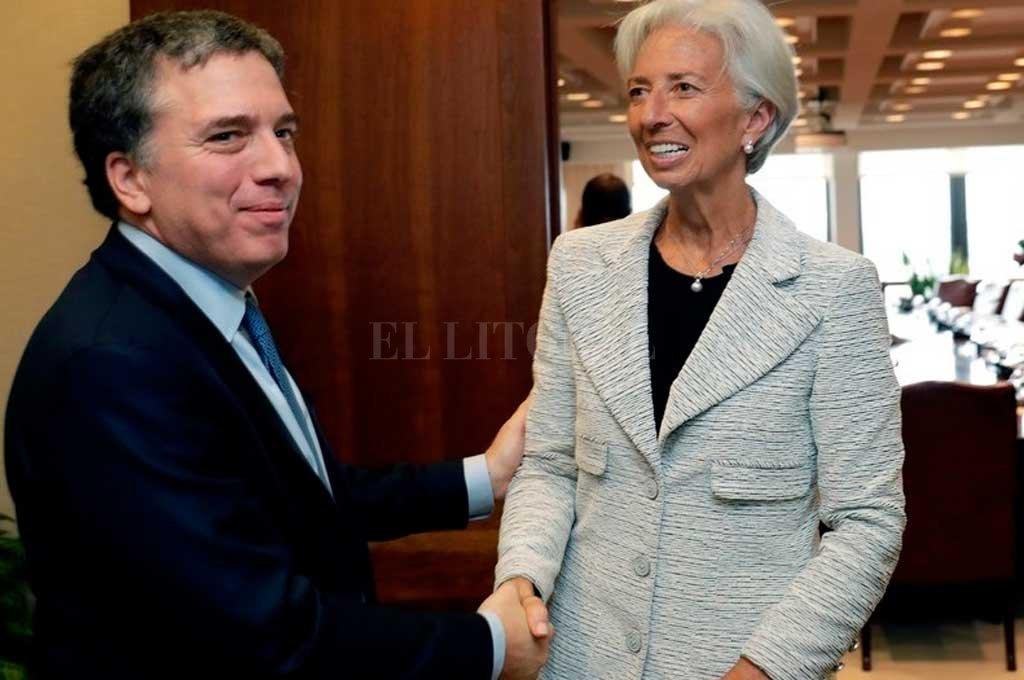 El ministro de Hacienda, Nicolás Dujuvne está junto a Macri en Nueva York Crédito: Clarín