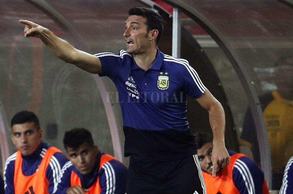 """Messi tampoco estará en la próxima convocatoria: """"No era el momento para su vuelta"""", dijo Scaloni"""