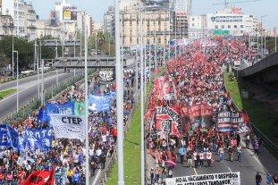 La CTA comenzó sus 36 horas de paro con una masiva marcha a Plaza de Mayo