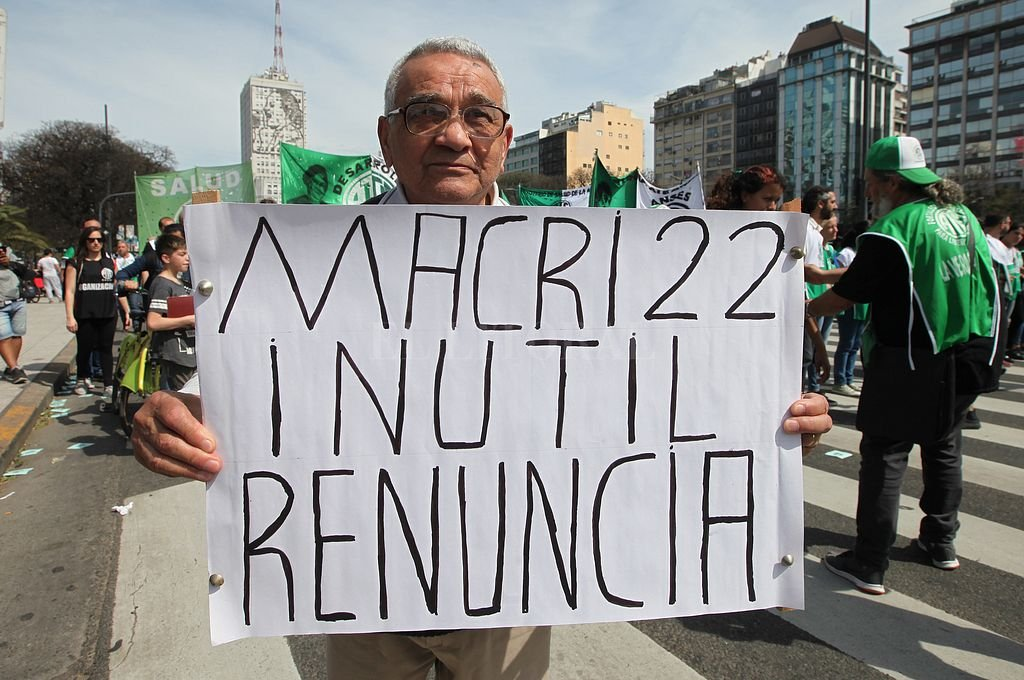 Macri, una medida de fuerza cada 8 meses