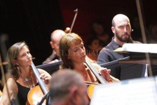 Brahms, Ravel y Mendelssohn según la Sinfónica de Santa Fe - Los músicos de la Orquesta santafesina, durante un concierto realizado en marzo de este año. -