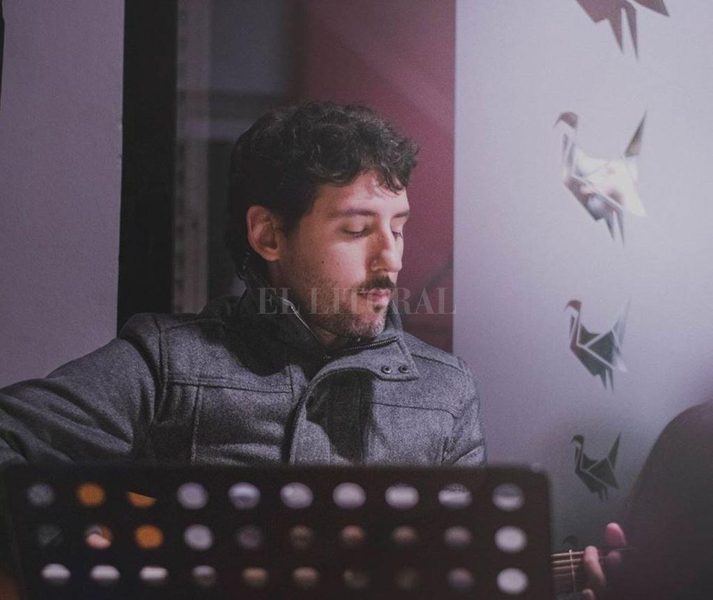 """Este año Edu Figueroa presentó """"Cauces"""", disco realizado íntegramente en la ciudad de Santa Fe, disponible en todas las plataformas digitales. <strong>Foto:</strong> Gentileza Lucio Barreto"""