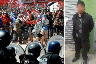 Detienen a dirigente de izquierda que era buscado por atacar con un mortero a las fuerzas de seguridad -